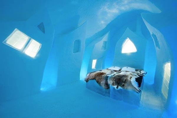 Ice-Hotel-2015-art-suites-1