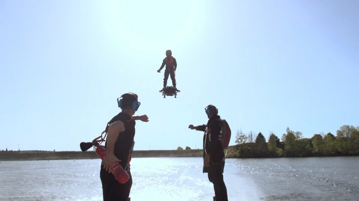 Francky-Zapata3_Flyboard-Air_Cd-Mentiel-Magazine