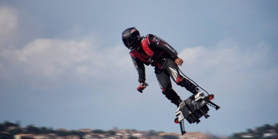 Francky-Zapata5_Flyboard-Air_Cd-Mentiel-Magazine